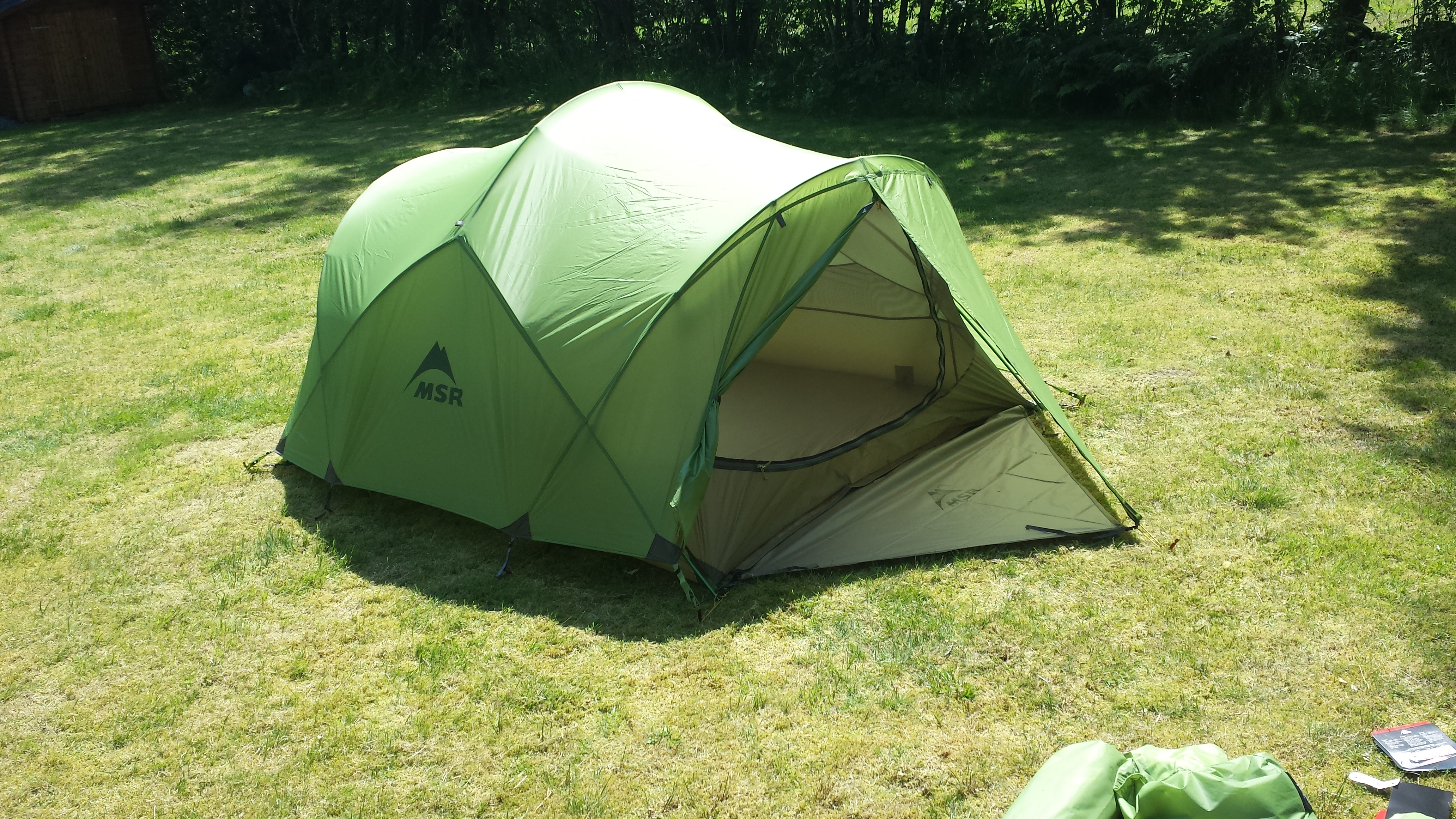 Fly sheet setup complete. Not bad. Not bad at all -) & MSR Mutha Hubba. The tent bought and tested.. | Gorilladays