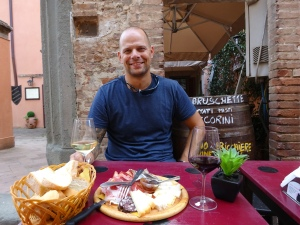 Lunch, Toscana-style. Well worth the traffic (!) to get here..